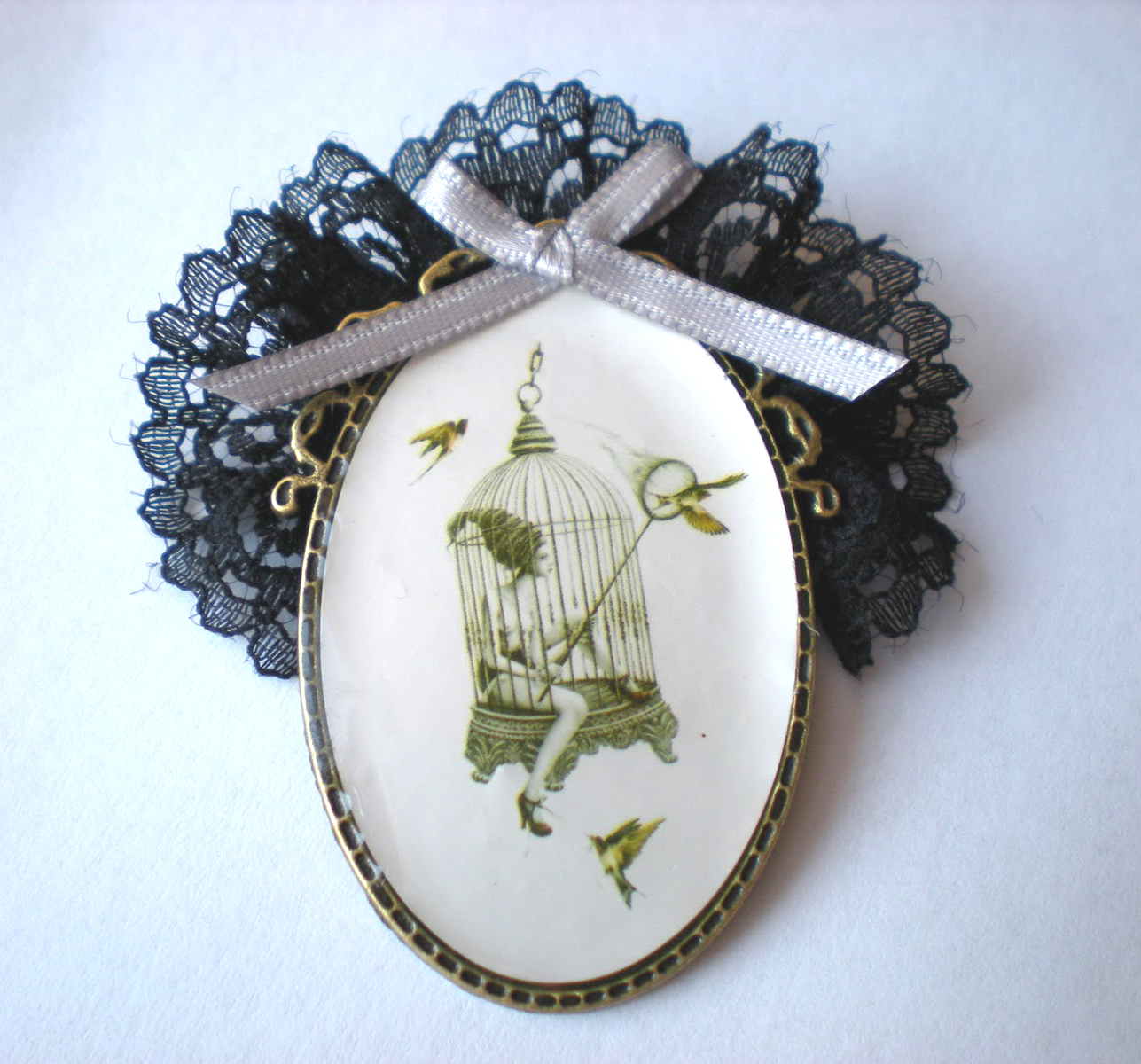 Bandeja de encaje vintage con piedras preciosas
