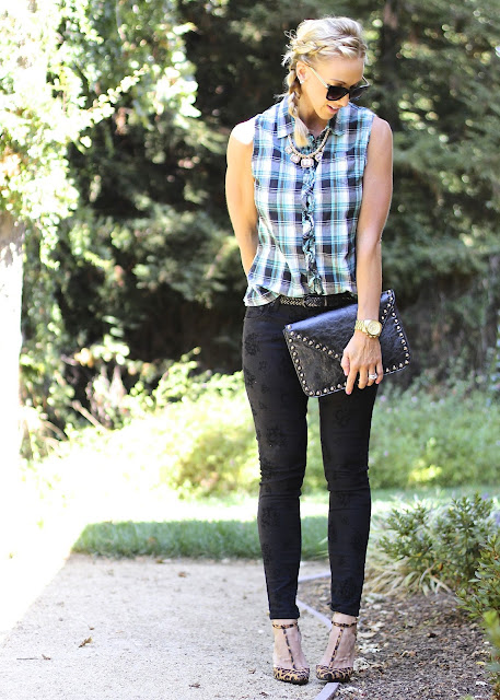 sleeveless plaid top black skinny jeans leopard t strap heels