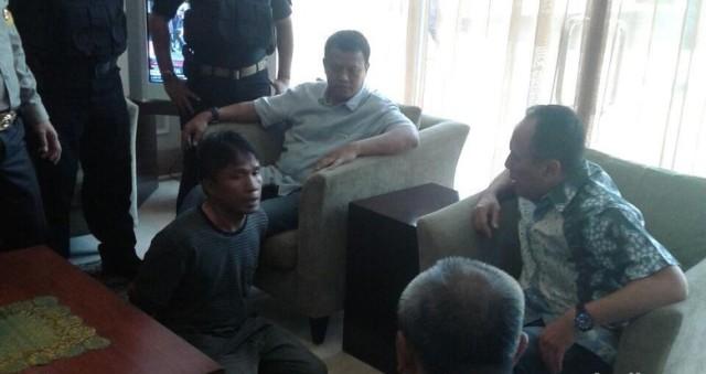 Memalukan!! Usai Ditangkap, Ius Pane 2 Kali Ngompol di Bandara Halim