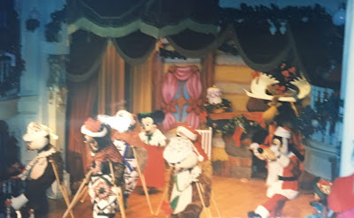 frontierland christmas disney world show