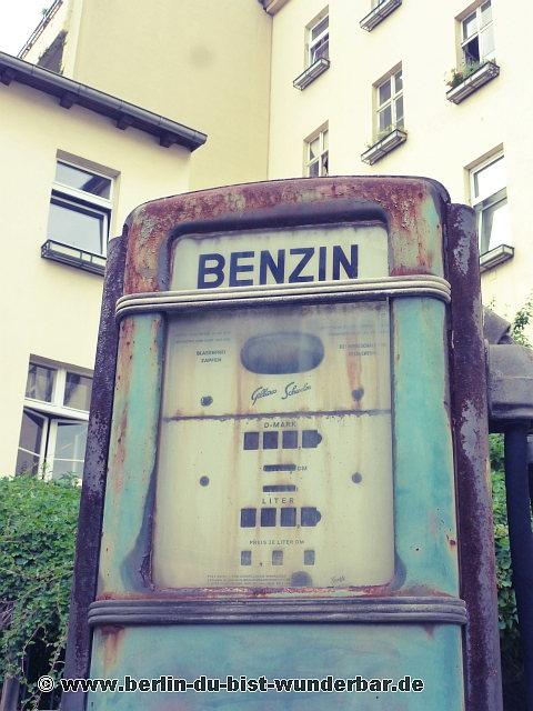 alte tankstelle in kreuzberg berlin du bist wunderbar unbekannte orte street art urbex. Black Bedroom Furniture Sets. Home Design Ideas