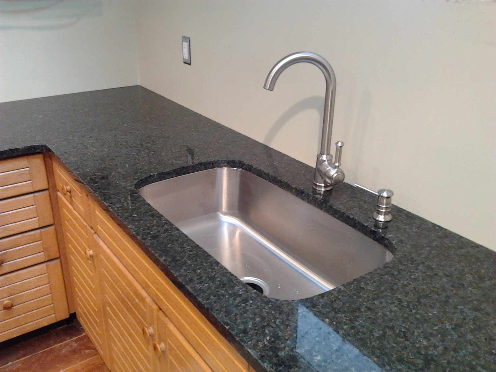 Can You Bleach Granite Countertops How To Sanitize Granite Countertops Innovate Stones