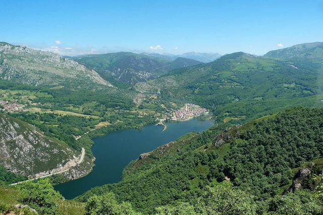 Embalse de Rioseco desde la Sierra del Crespón