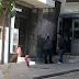 Θρίλερ με ομηρία σε εξέλιξη στο αστυνομικό τμήμα Γαλατσίου