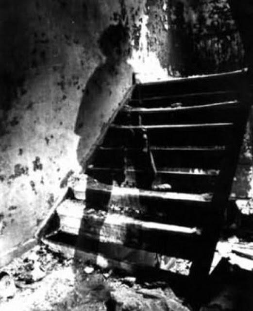 foto penampakan hantu paling jelas paling menakutkan