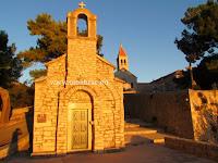 Crkvica sv. Ivan i Teodor, Bol, otok Brač slike