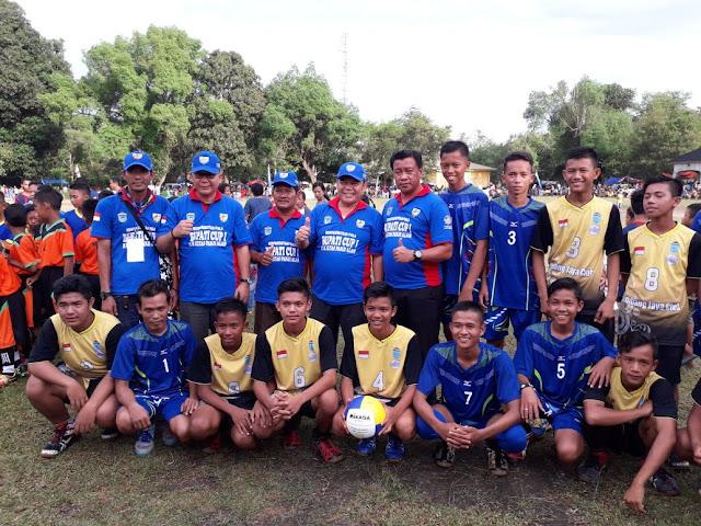 Didampingi Ketua KNPI, Bupati Oi Buka Turnamen Bupati Cup I