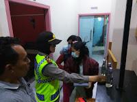 Polisi Gerebeg Lokalisasi Mawar Indah Batangan