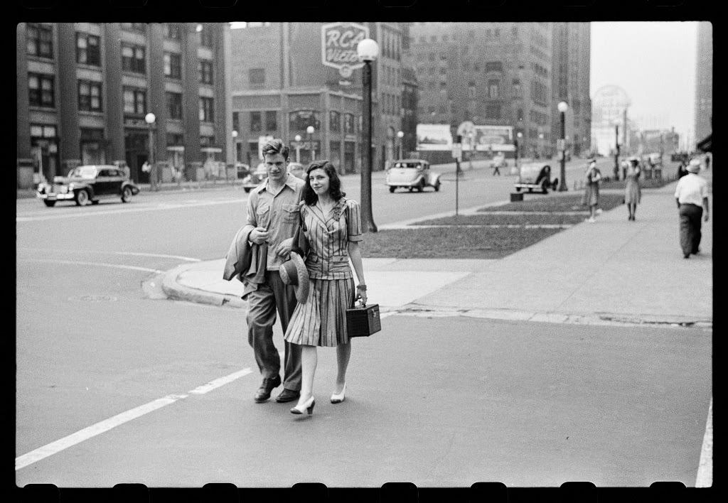 Amazing black white photographs of street scenes of chicago in 1941