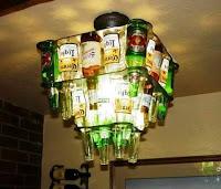 lampara techo hecha con botellas de vidrio