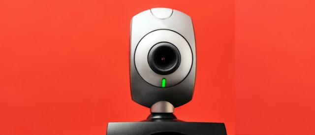 Conheça o malware que liga a sua webcam e microfone — e saiba se prevenir.
