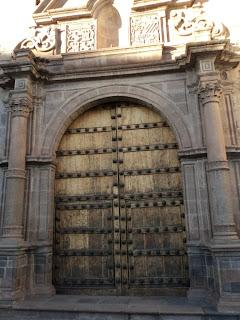 Entrada da Capilla San Antonio Abad, em Cusco