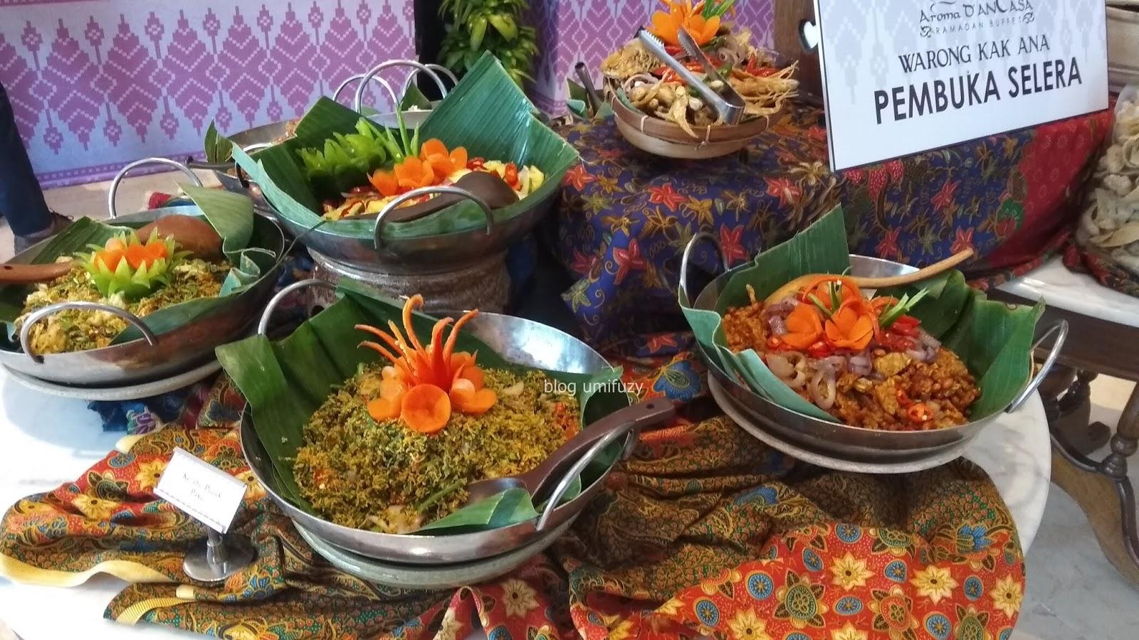 Bufet Ramadan Tradisional East Meet West Di Aroma D'AnCasa