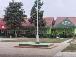 Sekolah adalah tempat belajar bagi siswa Indikator Usaha Kesehatan Sekolah (UKS) di Sekolah