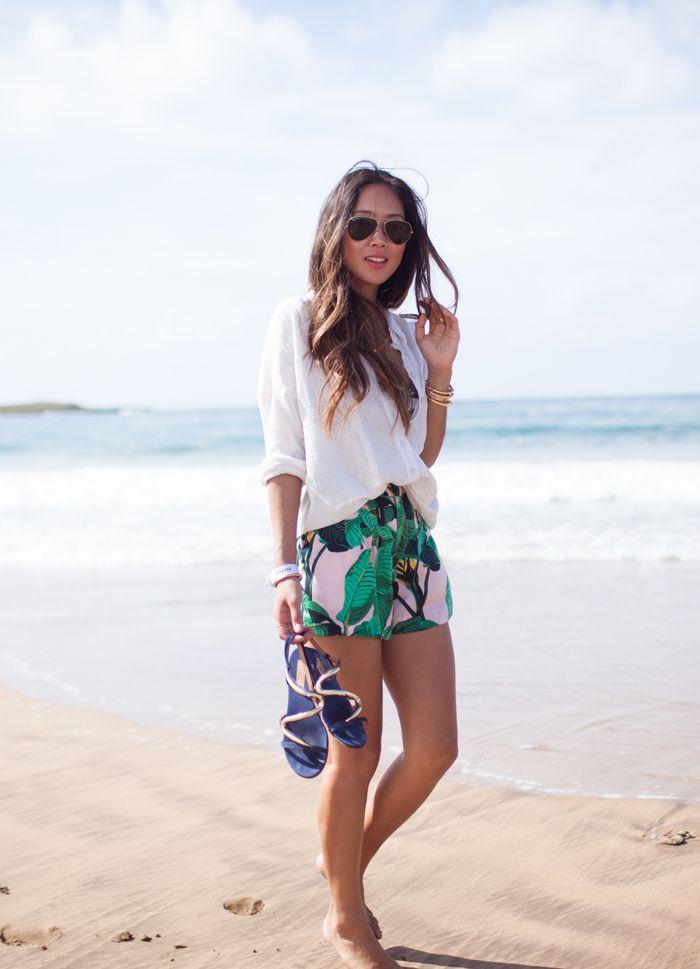 6 Rekomendasi Outfit Wanita untuk ke Pantai Selain Bikini - NEMUAJE