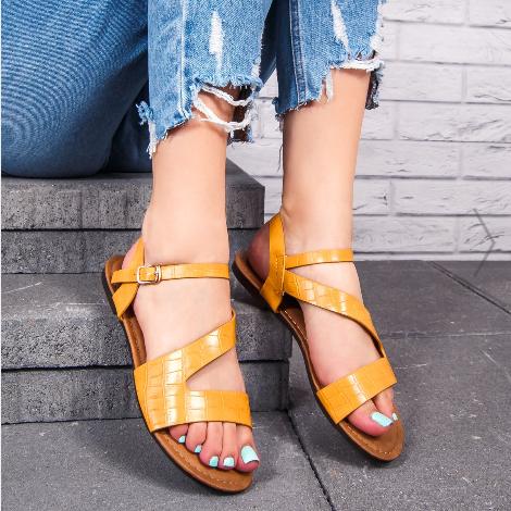 Sandale cu talpa joasa dama galbene de vara la pret mic de calitate
