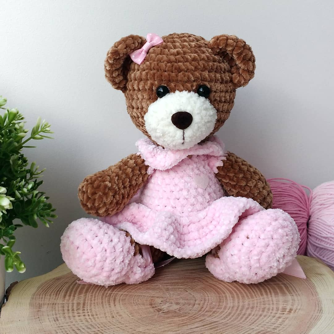 Crochet bear amigurumi plush pattern