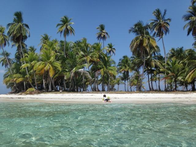 Helia en la Isla de las Estrellas haciendo la croqueta