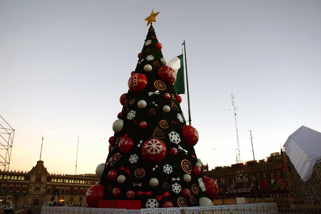 Arbol de navidad y pista de hielo en el z calo 2013 - Arbol navidad nieve ...