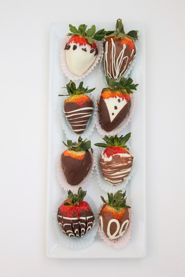 chocolate dipped strawberries, strawberries, chocolate design