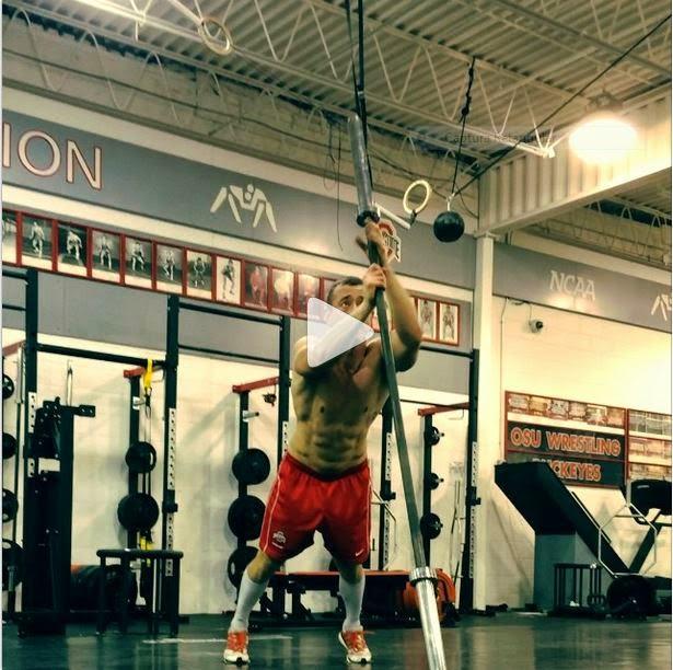 exercícios para perder barriga - escalada na barra