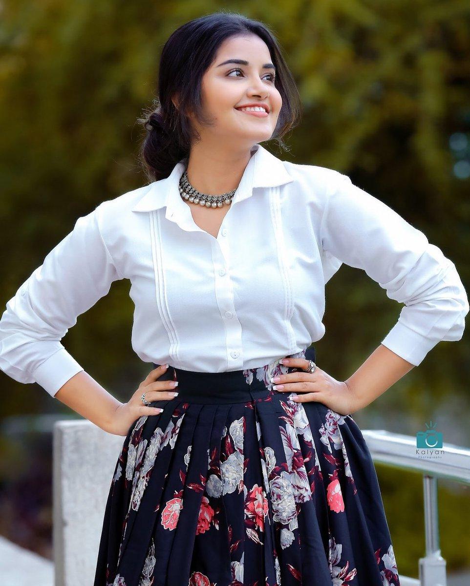 Anupama Parameswaran New Hot Photos