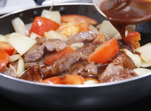 Thịt bò sốt cà chua đưa cơm