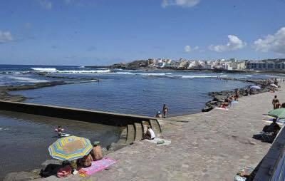 Fallece un var n en las piscinas naturales de el puertillo for Piscinas naturales gran canaria