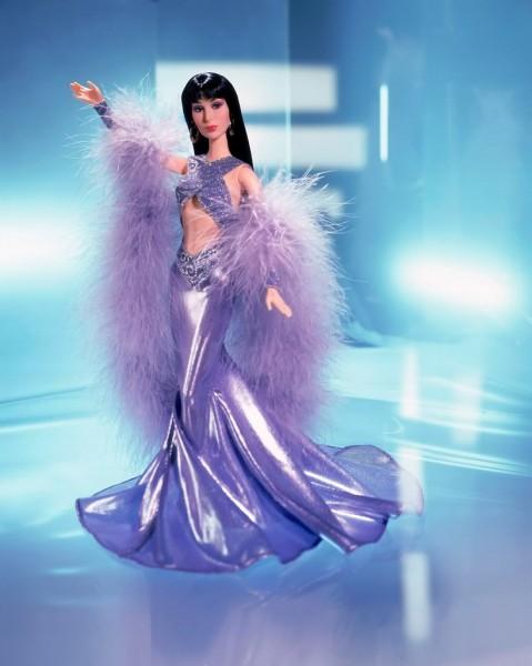 Muñeca o figura de acción con increíble parecido a Cher