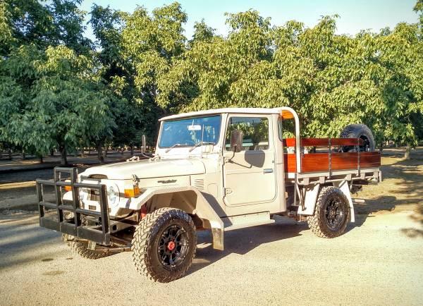 1975 FJ45 Flatbed Truck