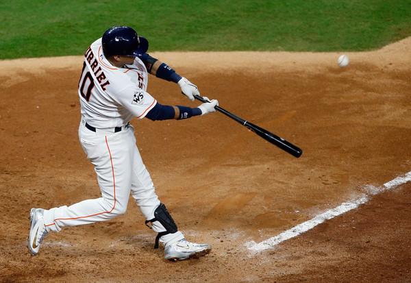 Yulieski Gurriel comandó a los Astros de Houston a la victoria 5-3 ante los Dodgers