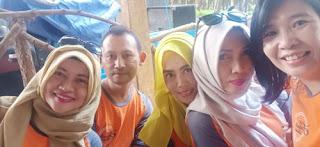 Wajah ceria alumni smanda88 di Hutan Pinus Precet, Wagir, Malang