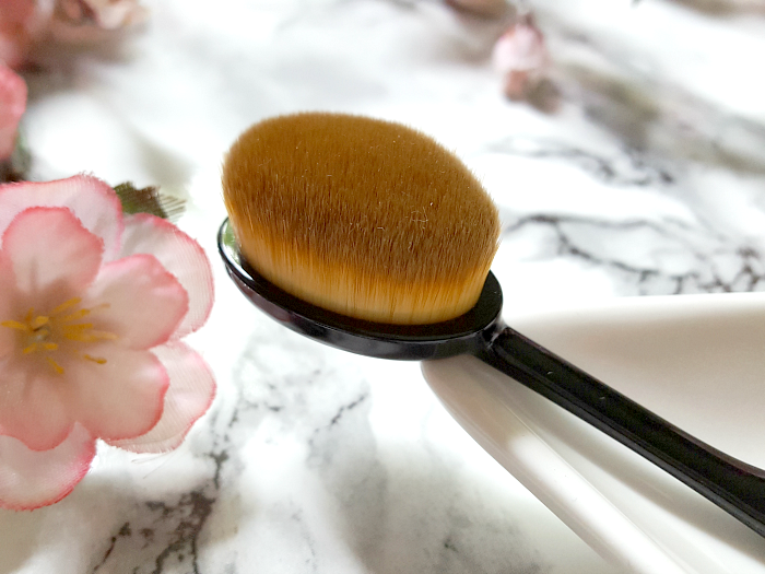 artdeco_cosmetics_large_oval_brush_2