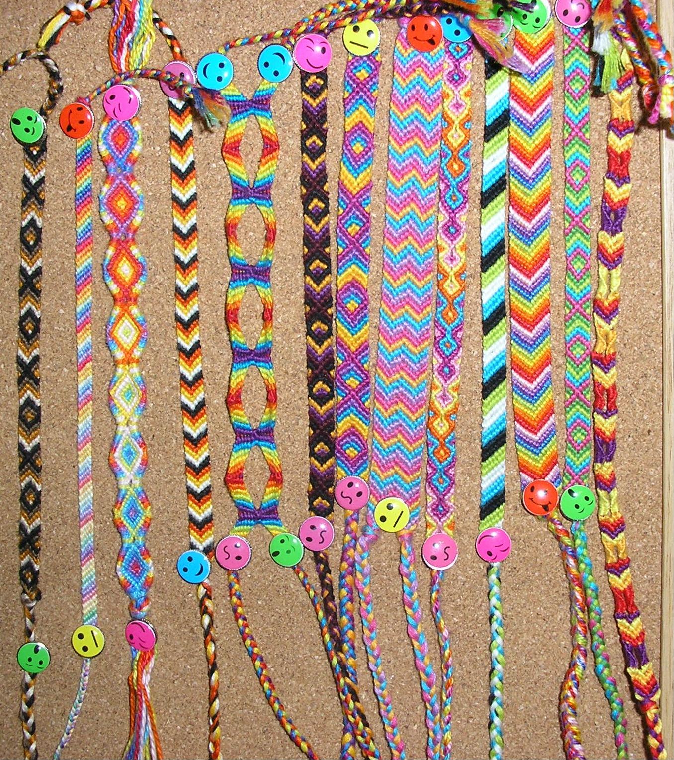 Bracelet Tool Galleries: Friendship Bracelet Pattern Books