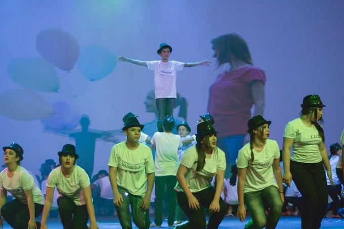 Natal: Contemporâneo leva espetáculo artístico-literário com mais de 500 estudantes ao Teatro Riachuelo
