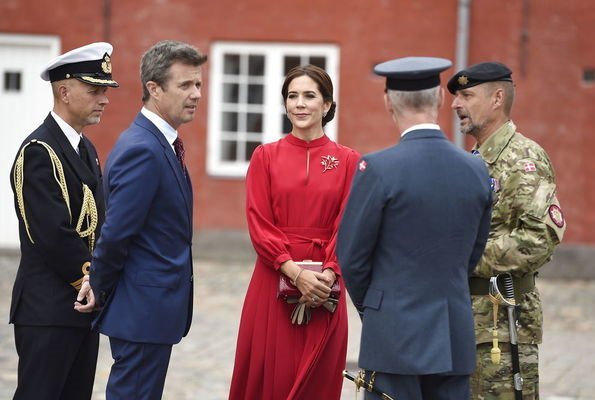 Crown Prince Frederik and Crown Princess Mary welcomed President Emmanuel Macron and his wife Brigitte Macron