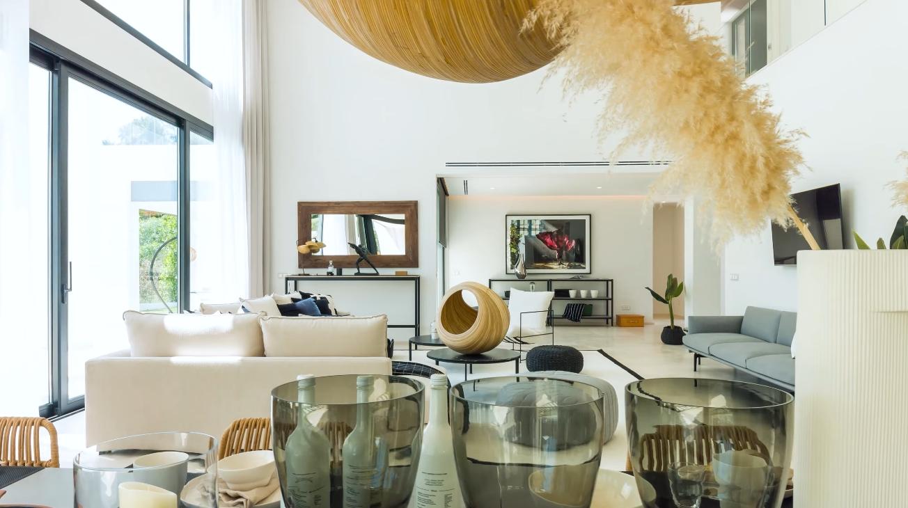 27 Photos vs. Luxury Contemporary Villa In Marbella Golf Valley vs. Interior Design Tour