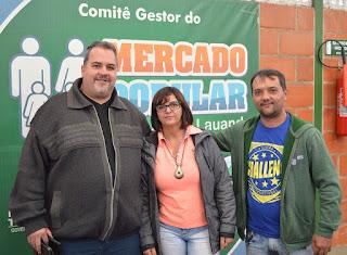 ( esquerda) Secretário de Trabalho e Emprego, Marcão, presidente da Avamt, Tânia Cristina Rodrigues, e o secretário de Esportes e Lazer, Luiz Otávio Oliveira