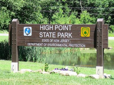 Gone Hikin': High Point State Park, NJ - Blue Dot and Mashipacong