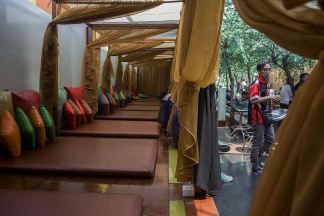 Suasana lantai tujuh di Hotel dan Griya Pijat Alexis, Jakarta, Selasa (31/10/2017). Pemerintah Provinsi (Pemprov) DKI Jakarta menolak permohonan Tanda Daftar Usaha Pariwisata (TDUP) Hotel dan Griya Pijat Alexis