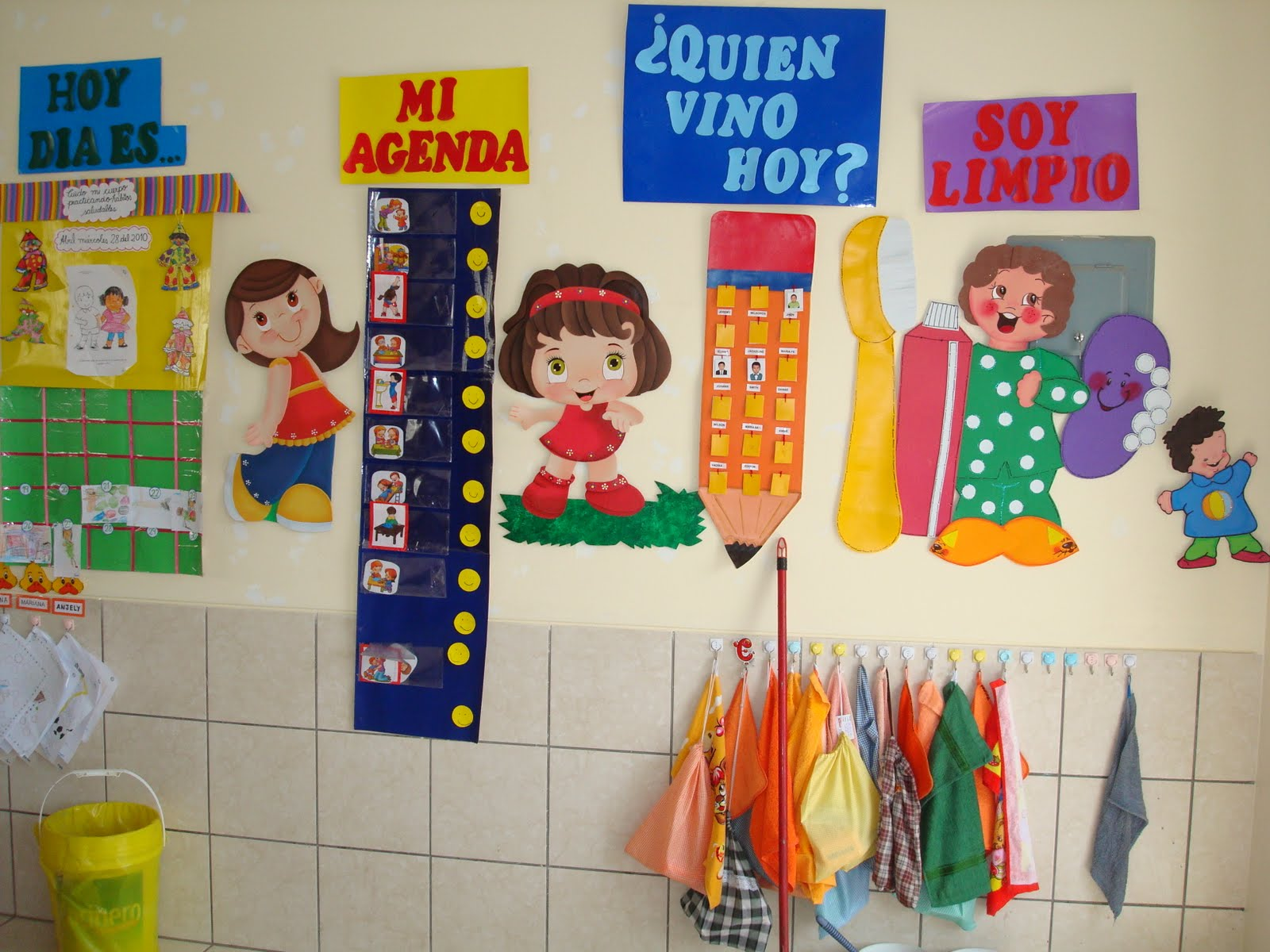 Educando con amor decoracion del aula for Webs de decoracion