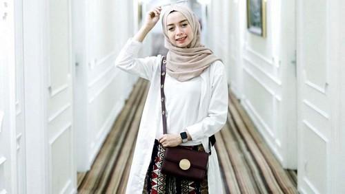 Hijab Satu Sisi yang indah
