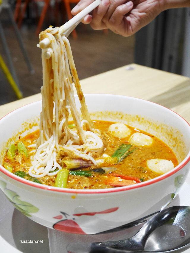 Tomyam Creamy Soup with Seafood (RM12.40-S, RM23.90-M, RM37.90-L)