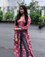 Jhanvi Kapoor Bollywood Special  Exclusive 023.jpg