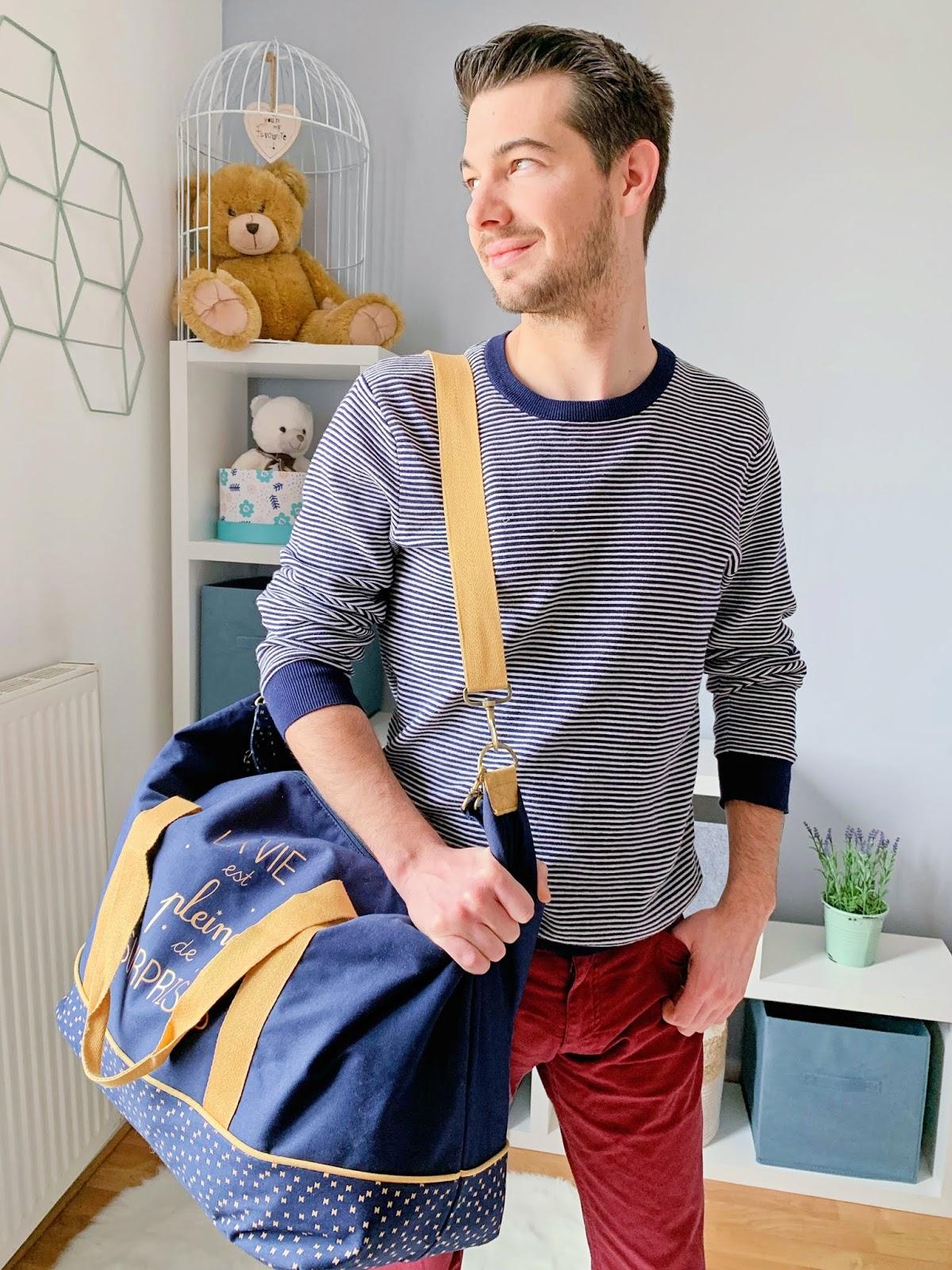 que mettre valise maternité maman bébé vêtements taille quantité soin trousseau naissance les gommettes de melo sac à langer weekend vertbaudet