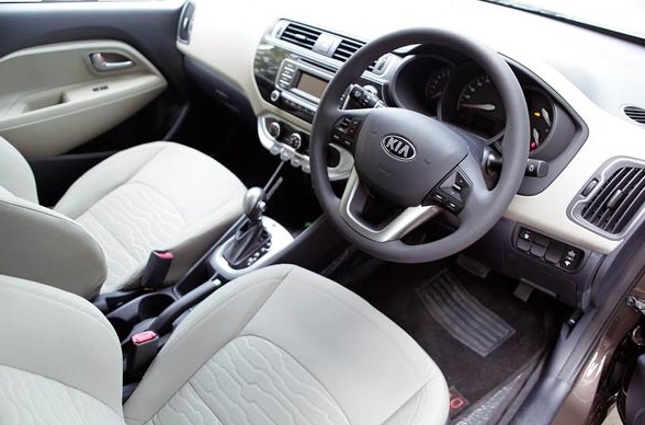 2016 Kia Rondo Platinum latest car review interior