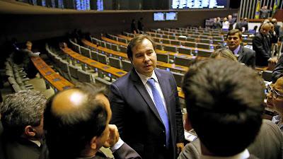 Rodrigo Maia diz que denúncia contra Temer deve ser votada até 23 de outubro