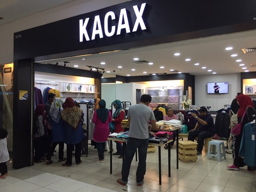 Butik Kacax di Angsana JB Mall