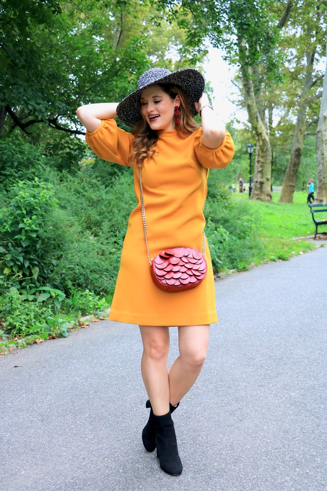 Nyc fashion blogger Kathleen Harper's fall hats