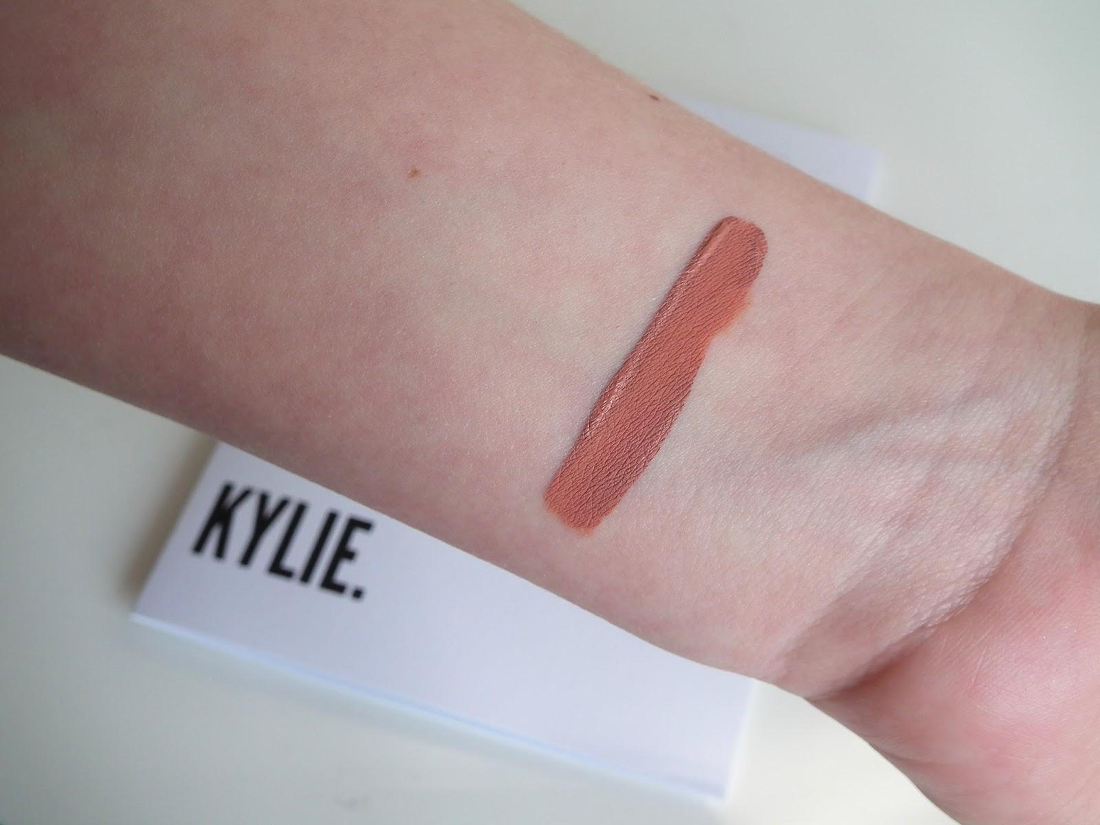 Velvet Lip Laquer by MUA Luxe